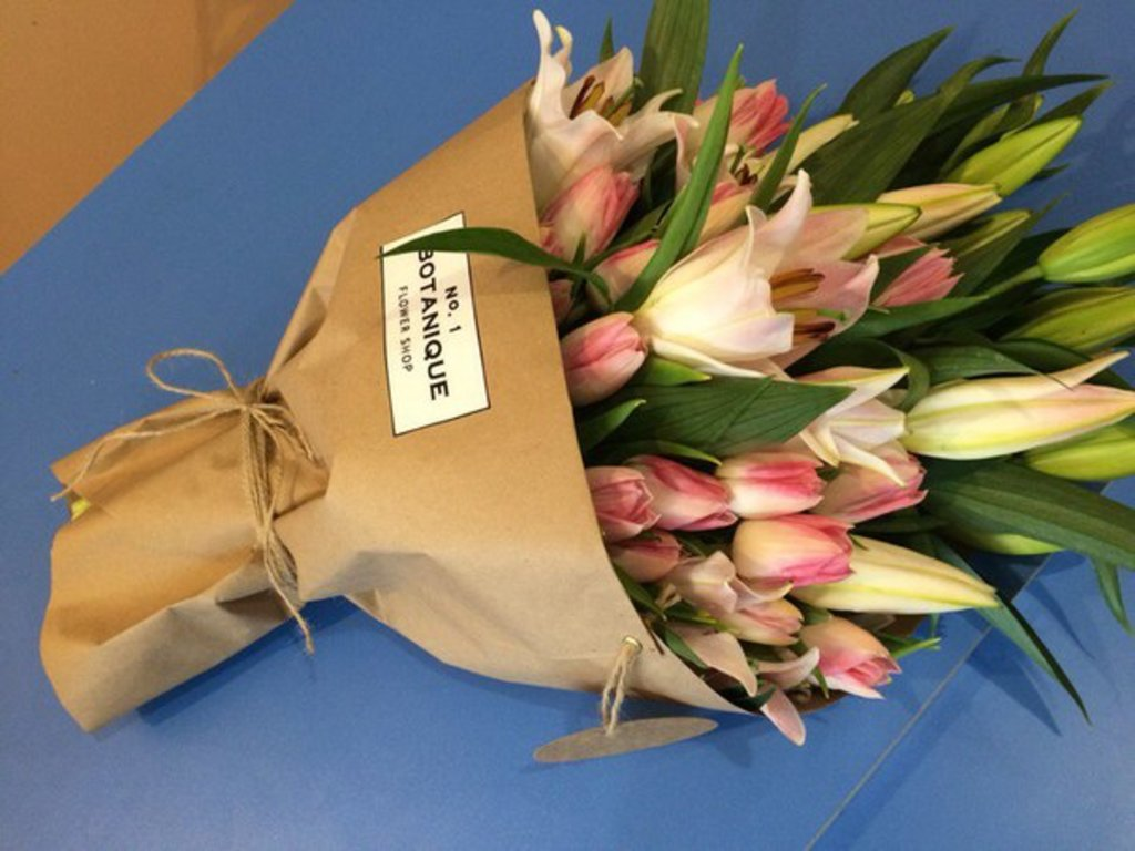 """Кулек крафт: """"Кулек Крафт"""" Лилии+Тюльпаны в Botanique №1,ЭКСКЛЮЗИВНЫЕ БУКЕТЫ"""