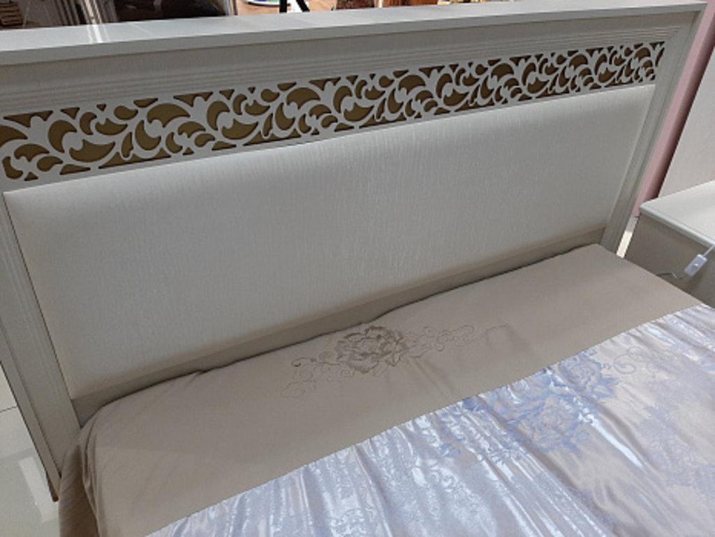 Спальни: Ливадия Л8 Кровать 160*200 см без ортопеда, без матраса в Диван Плюс