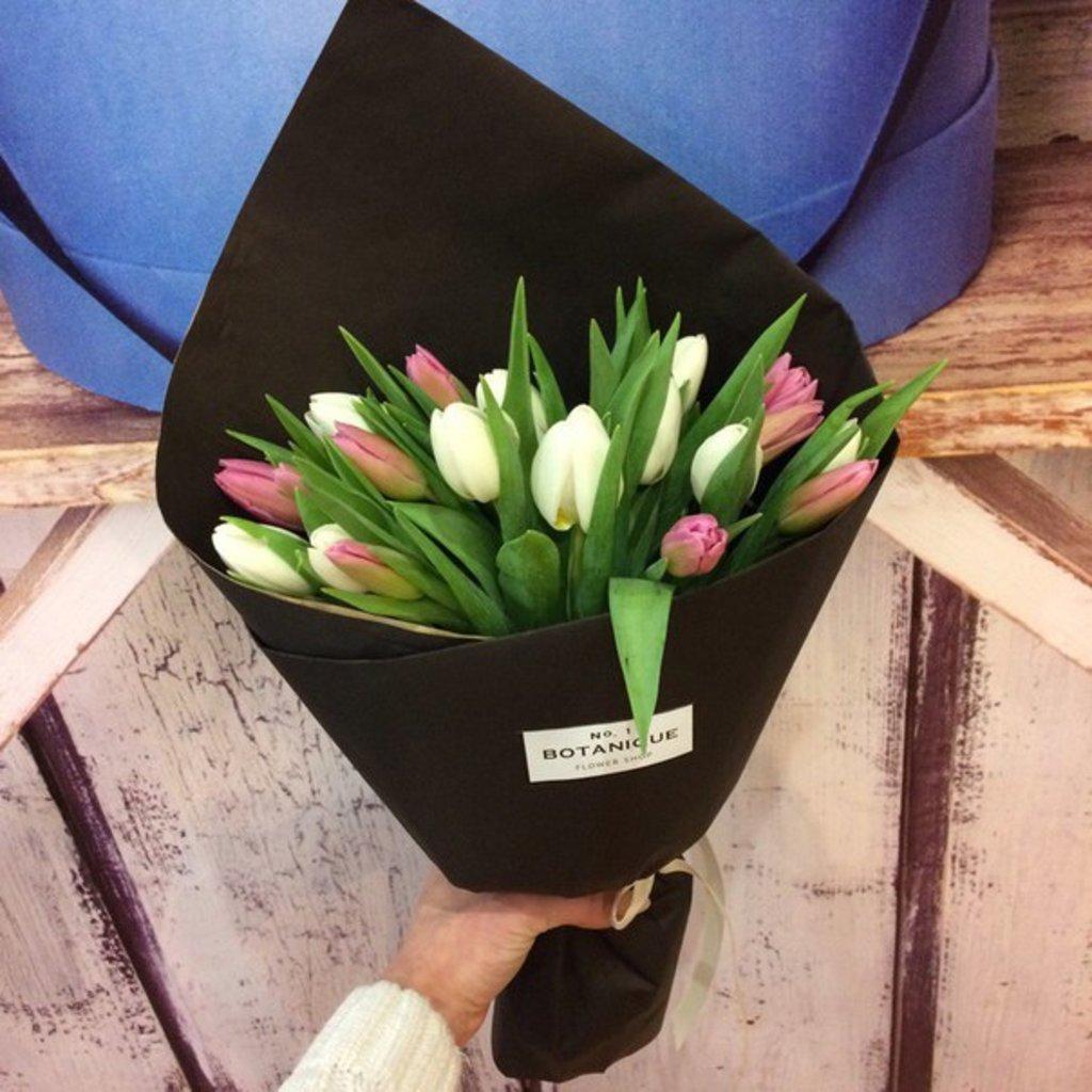 """Кулек крафт: """"Черный Крафт"""" 19 Тюльпанов в Botanique №1,ЭКСКЛЮЗИВНЫЕ БУКЕТЫ"""