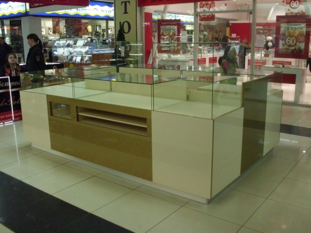 Торговое оборудование на заказ: Оборудование для торговых центров в Студия Мебели