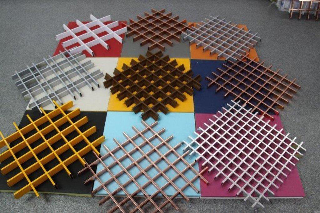 Потолки грильято: Цветной потолок Грильято 75x75 h=40 RAL - любой в Мир Потолков