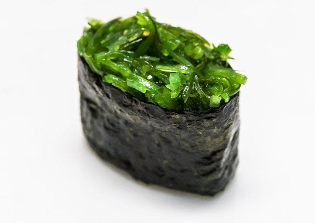 Суши: Суши с чуккой в Tokio