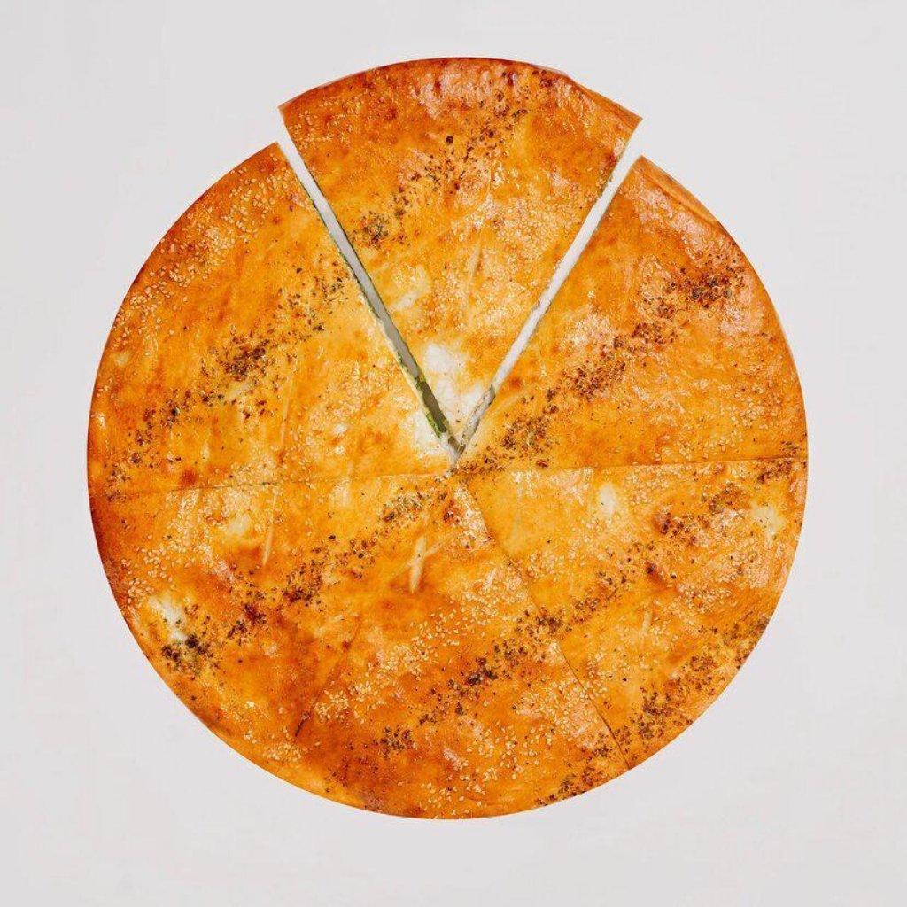 Пицца фирменная закрытая: Брокколи и Шпинат в Сбарро