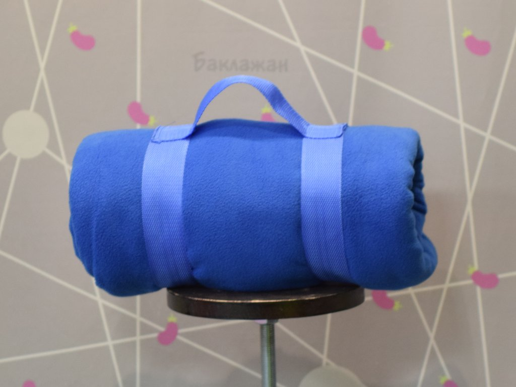 Флисовые пледы: Дорожный флисовый плед в Баклажан, студия вышивки и дизайна