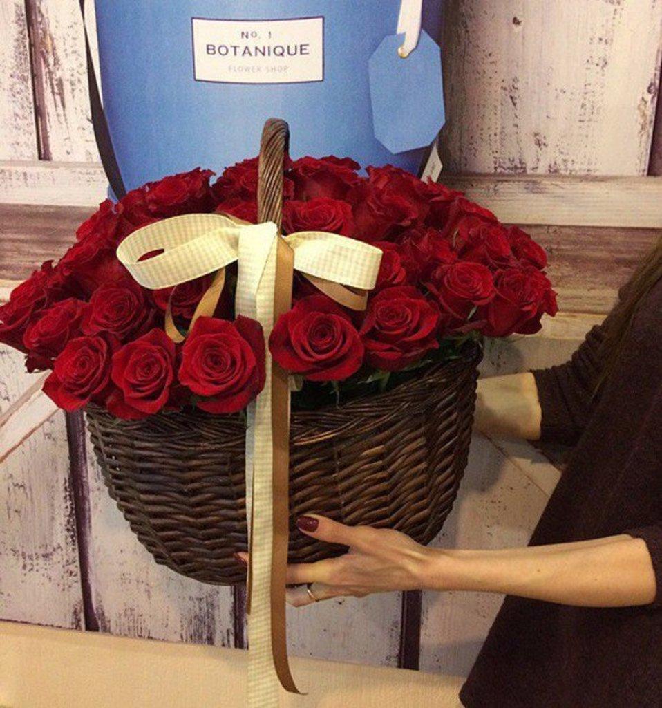 Корзины цветов: Корзина (51 Классическая роза) в Botanique №1,ЭКСКЛЮЗИВНЫЕ БУКЕТЫ