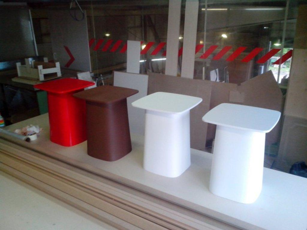 Искусственный камень и изделия из него: Кофейный столик из искусственного камня в Строймода СК, ООО