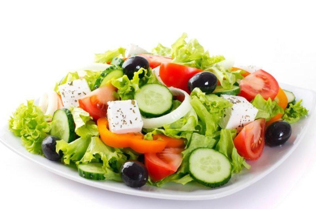 Салаты: Греческий в Restorant SH