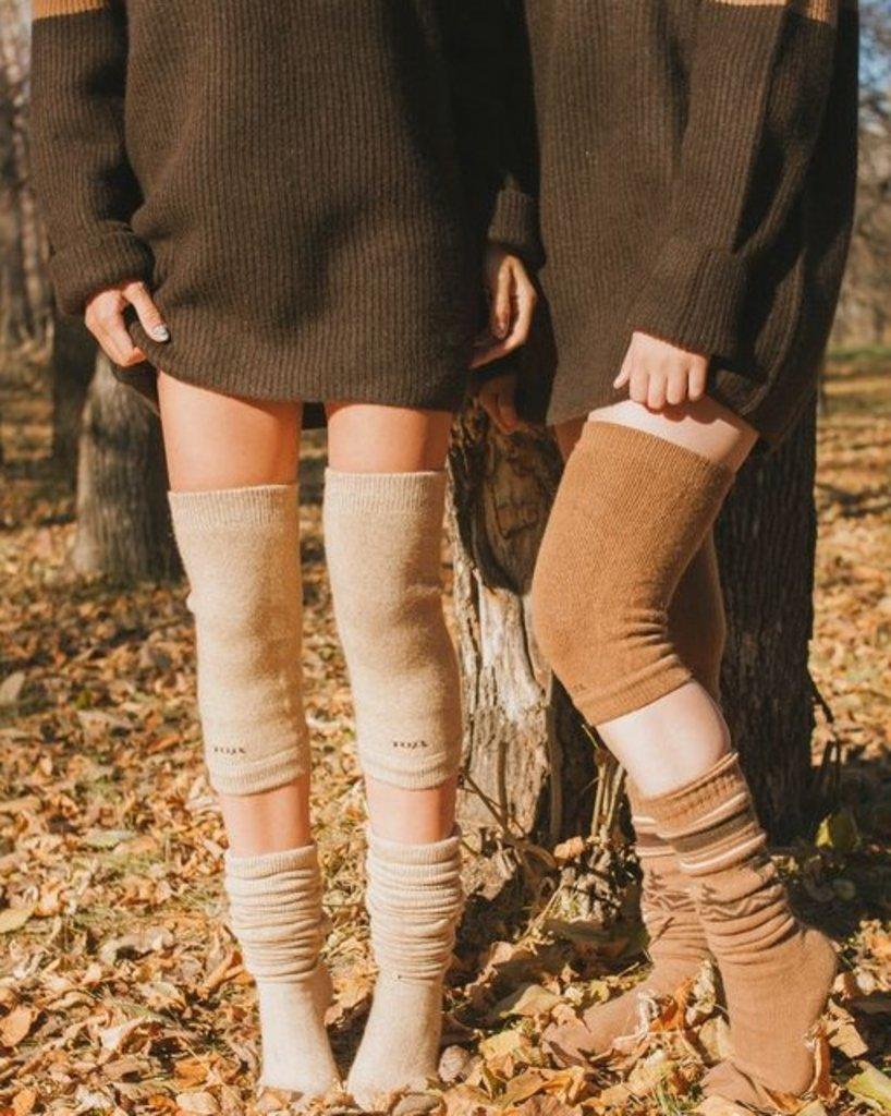 Лечебные пояса, жилеты, наколенники: Наколенники из верблюжьей шерсти бежевые в Сельский магазин