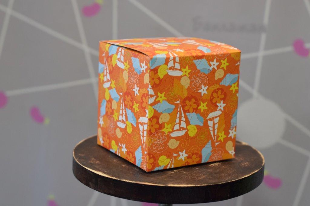 """Подарочная упаковка: Подарочная коробка под кружку """"Детская оранжевая"""" в Баклажан, студия вышивки и дизайна"""