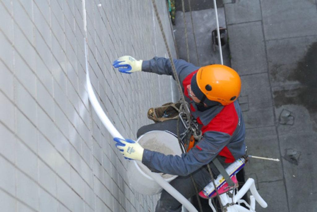Фасадные работы: Ремонт межпанельных швов с материалами в FloMASTER, ООО