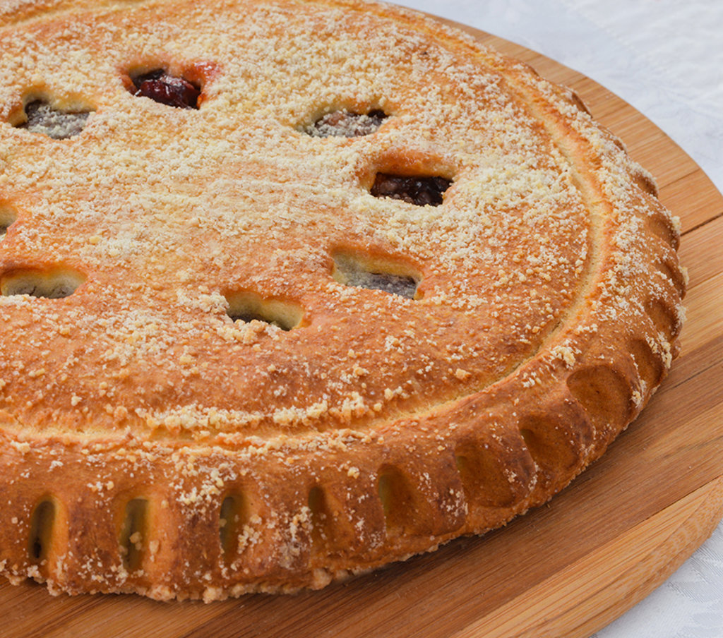 Сладкие: Пирог с черёмухой и заварным кремом в Провиант