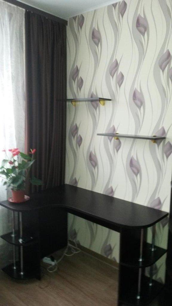 Прочее: Полочки и стол в Квадра Мебель