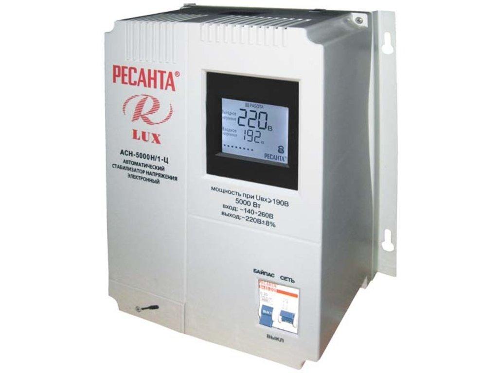 Цифровые настенные серии LUX: Однофазный цифровой настенный стабилизатор серии LUX РЕСАНТА АСН-5000Н/1-Ц в РоторСервис, сервисный центр, ИП Ермолаев Д. И.