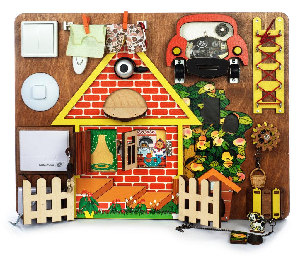 Игрушки для малышей: Нескучные игры BusyBoard 7904 Развививающая доска №3  Загородный дом дерево в Игрушки Сити
