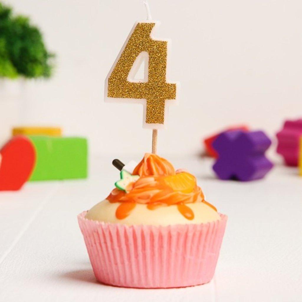 Свечи: Свеча в торт цифра 4, Гадкий Я, с блестками, 3,5 х 5 см в ТортExpress