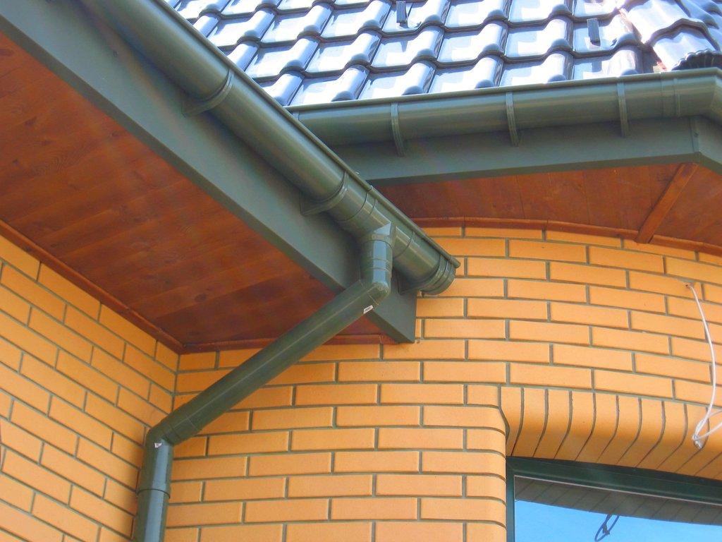 Фасадные работы: Монтаж водосточных систем в FloMASTER, ООО