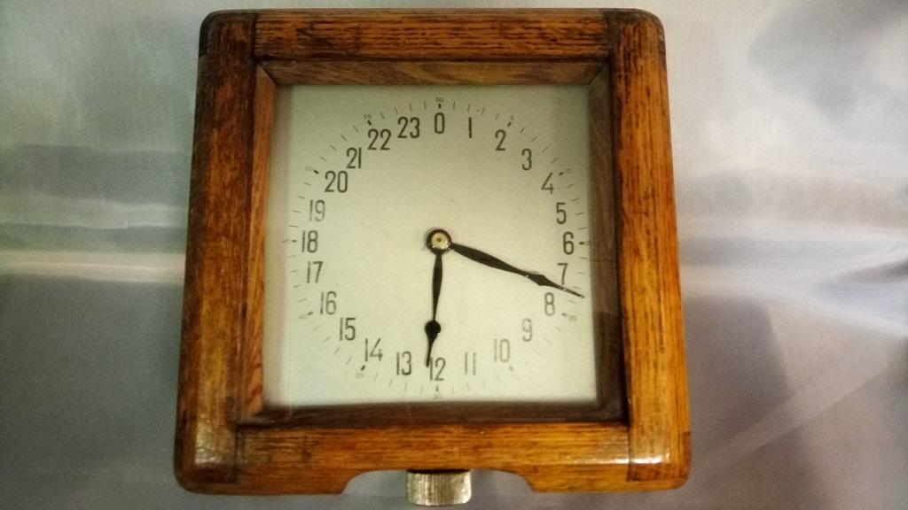 Старые вещи: Часы корабельные в деревянном корпусе в Модели кораблей