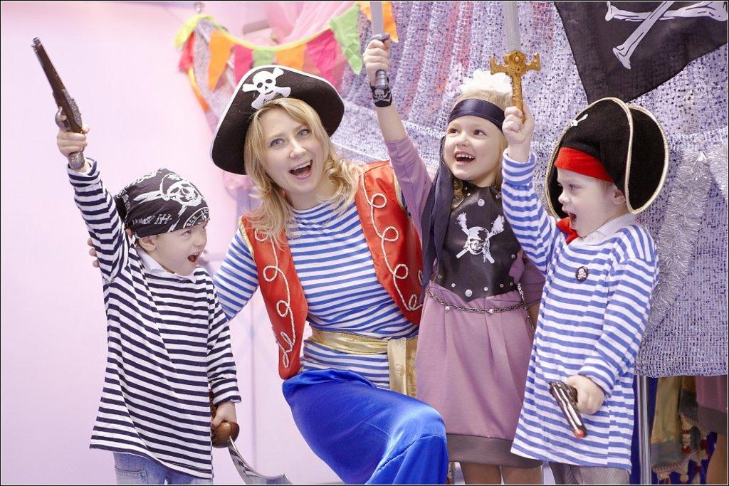 Детский клуб: Тематические вечеринки в СТРАНА ЧУДЕТСТВА, детский клуб