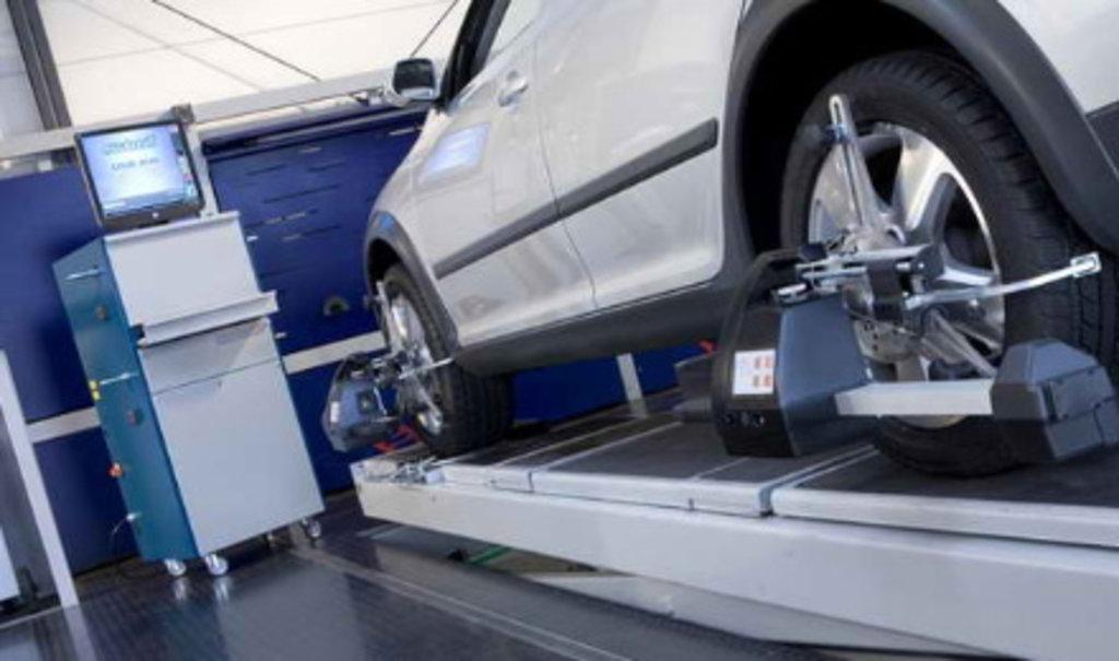 Авто-услуги: 3D шиномонтаж / Развал-схождение в Авторитет