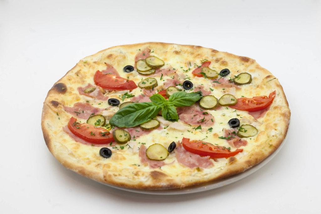 Пицца: Пицца с ветчиной и курицей в Tokio