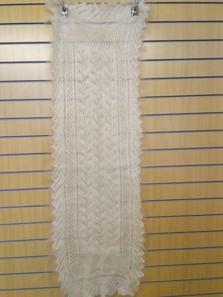 Манишки, шали, шарфы, платки, палантины: Шарф ажурный из 100% пуха козы (170х50 см) в Сельский магазин