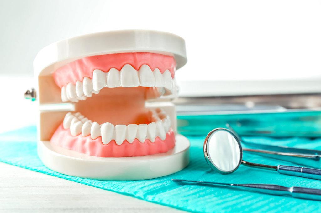 Стоматологические услуги: Протезирование зубов в Dental Design (Дентал Дизайн), стоматологическая клиника