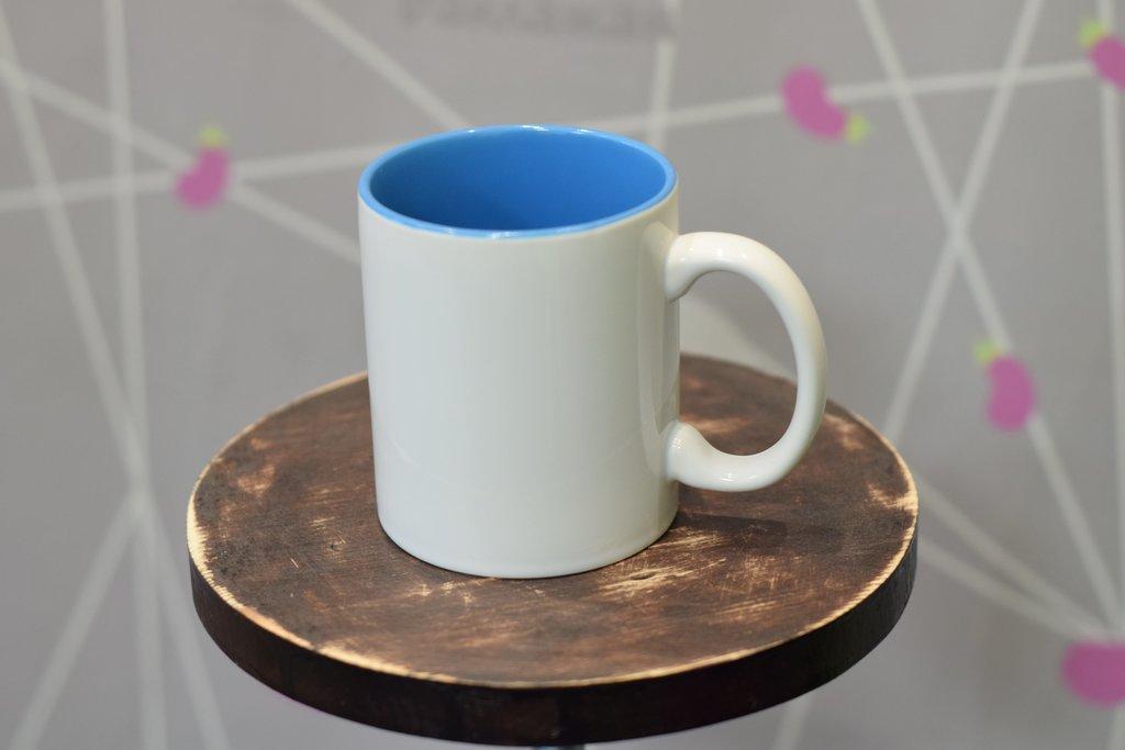 Чашки и кружки: Кружка белая, цветная внутри в Баклажан, студия вышивки и дизайна