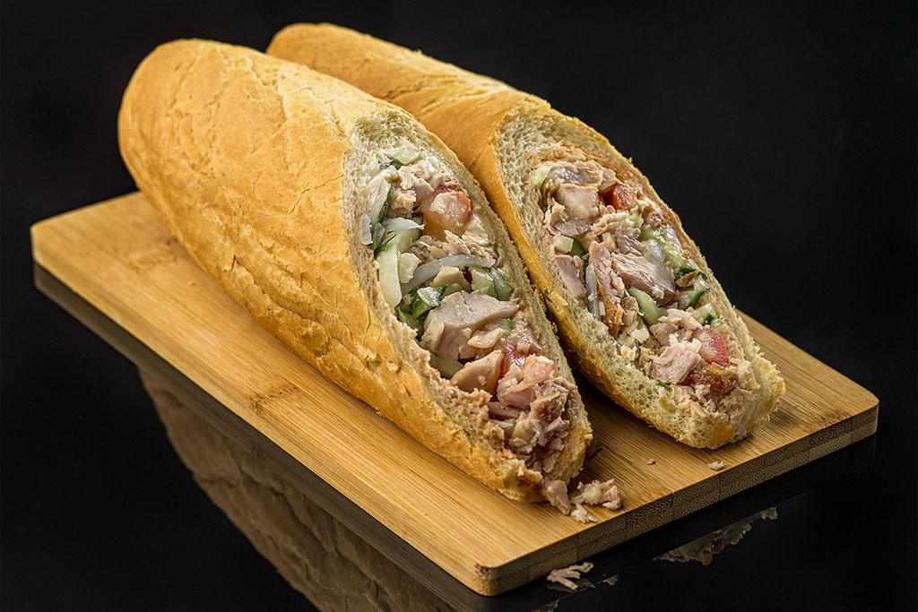 Шаурма: ШАУРМА В БАГЕТЕ со свининой в BEST КЕБАБ