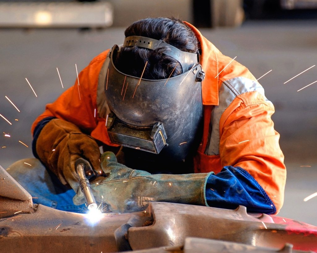 Обработка металла: Сварка полуавтоматом в ЖБИ и К