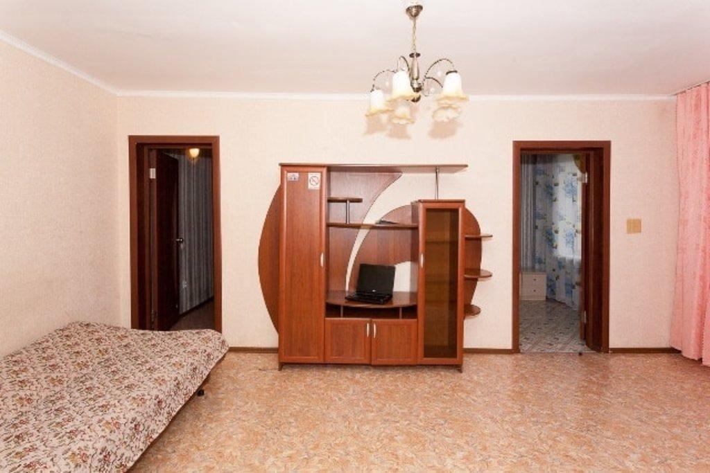 Трёхкомнатные квартиры: Трёхкомнатная квартира улица проспект Красноярский Рабочий, 86 в Эдем