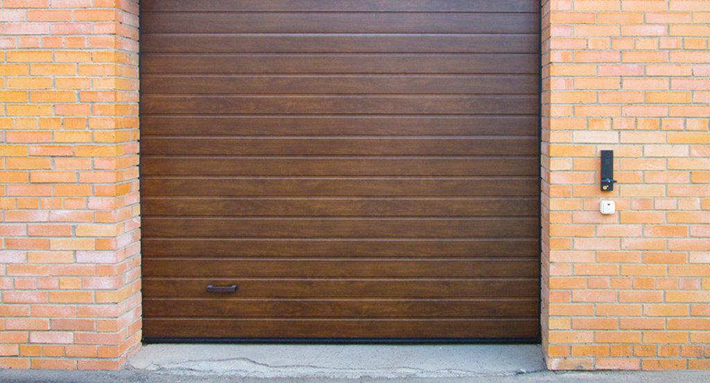 Гаражные ворота Alutech: Гаражные ворота Alutech ш3000хв2125мм ЗОЛОТОЙ ДУБ, ТЕМНЫЙ ДУБ, ВИШНЯ в АБ ГРУПП