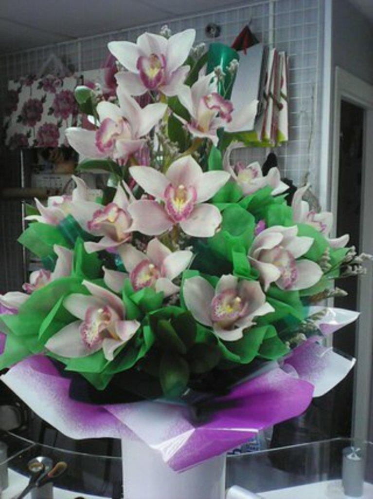Букеты: Букет Из орхидей в Николь, магазины цветов