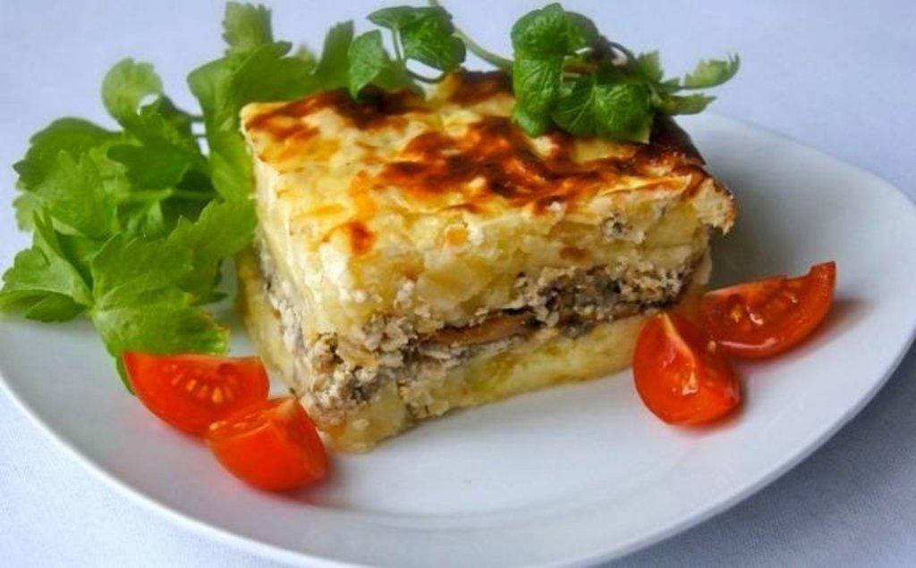 """Понедельник: КОМПЛЕКС: Мясная запеканка + салат """"Витамин"""" (350 г) в Смак-нк.рф"""
