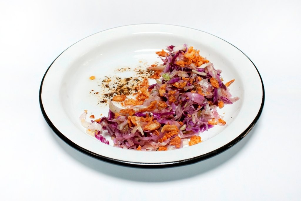 Закуски и салаты: Капустный салат в Tesla Burger Тюмень