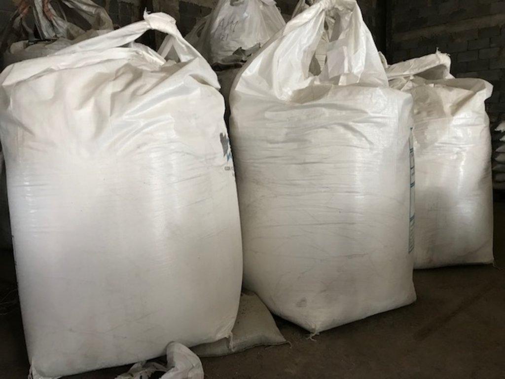Пластификаторы и добавки в растворы: Известь комовая 3 сорт (50кг) в 100 пудов