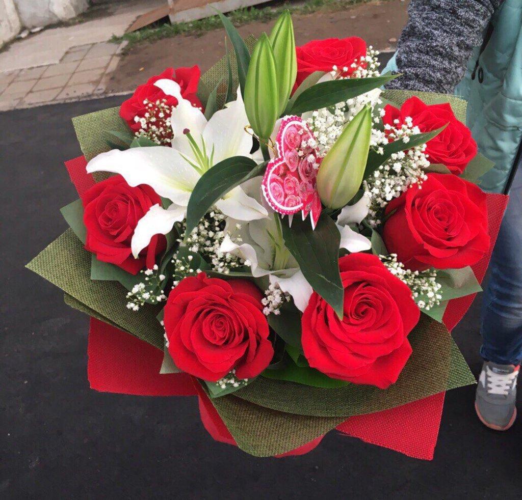 Букеты: Букет № 5 в Николь, магазины цветов