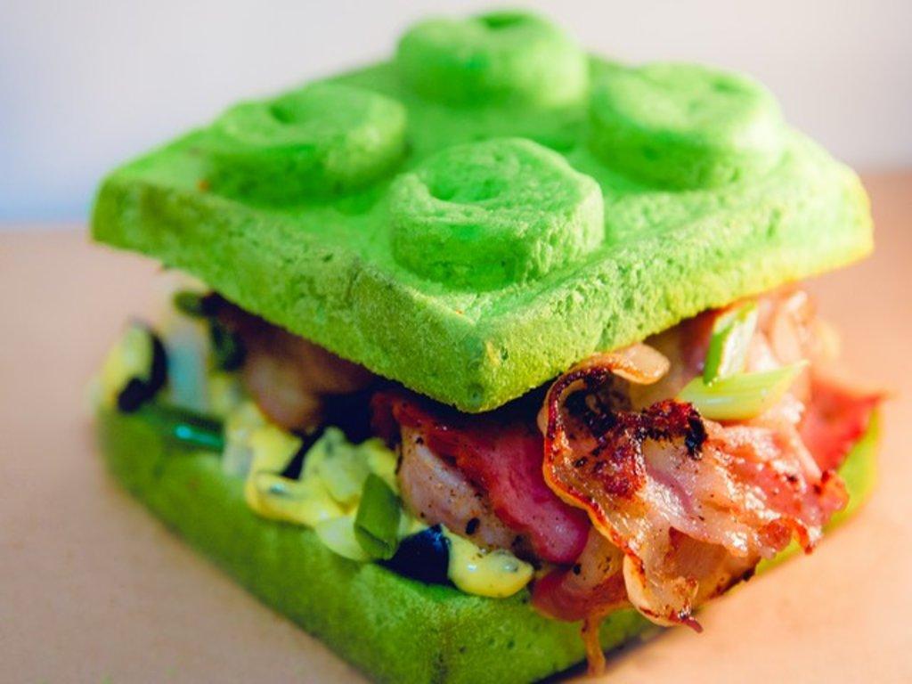 Зеленая булочка, 75 гр в Leggo burger