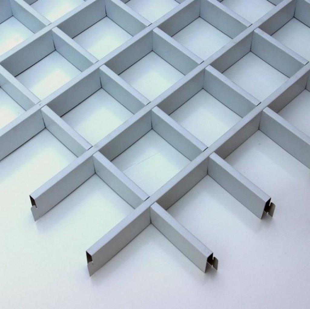 Потолки грильято: Потолок грильято 150х150 ( выс.50/шир.10) Эконом белый глянец А916 в Мир Потолков