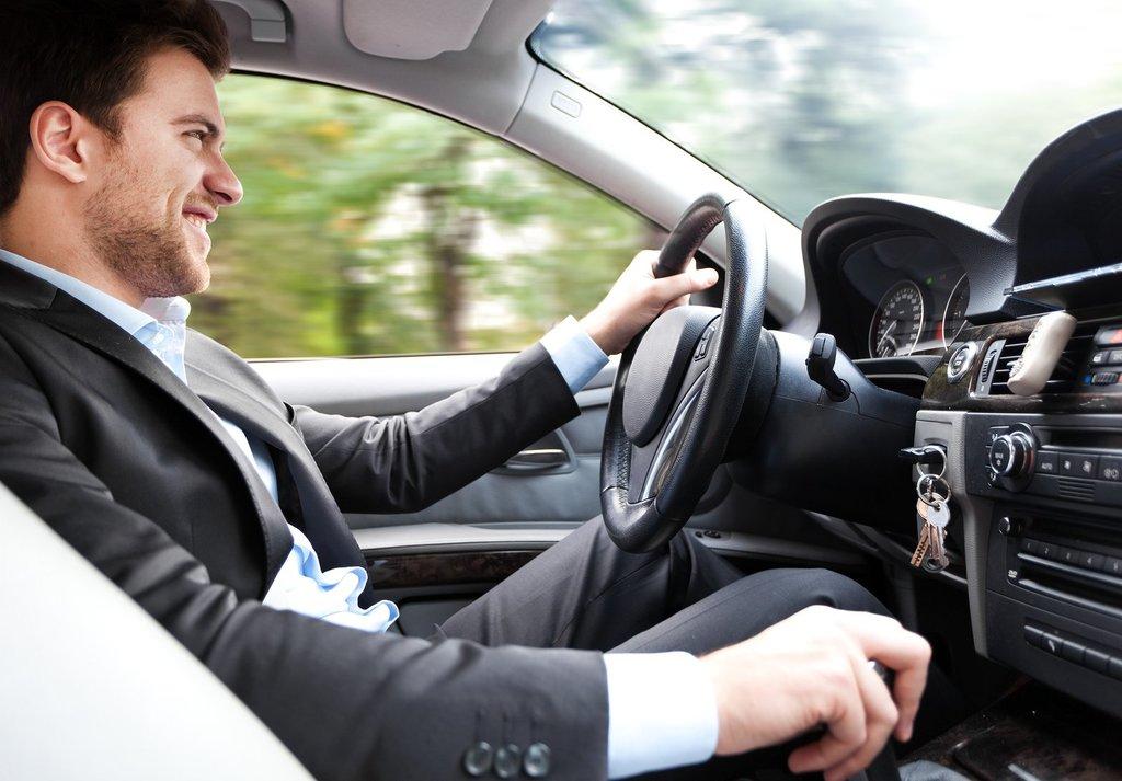 Автошкола: Вождение автомобиля в За рулем, автошкола