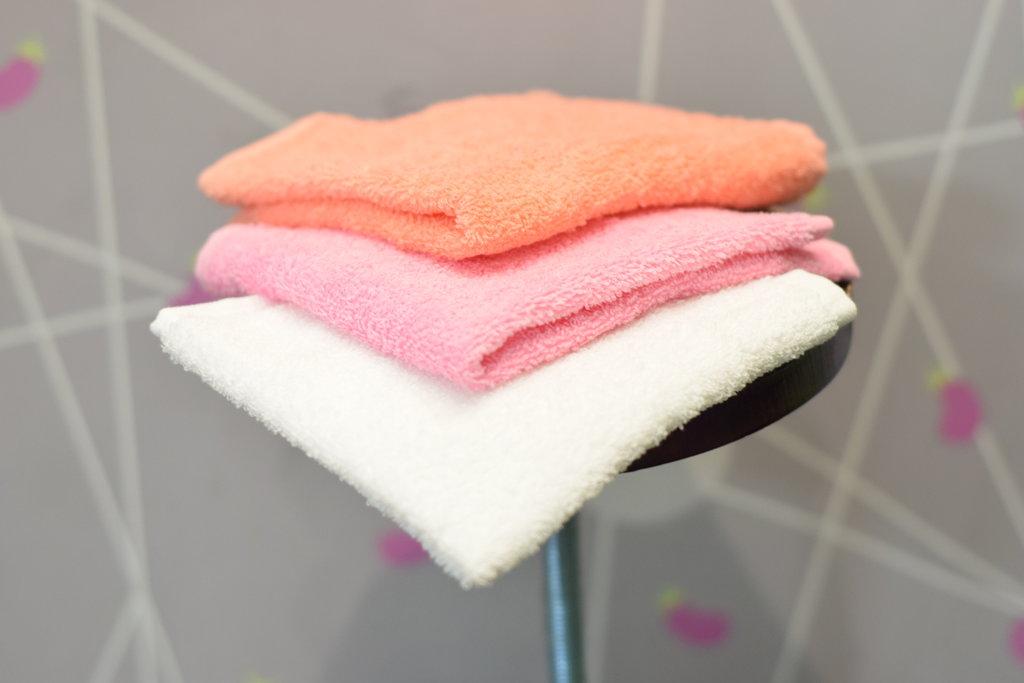 Махровые полотенца: Махровая салфетка в Баклажан, студия вышивки и дизайна