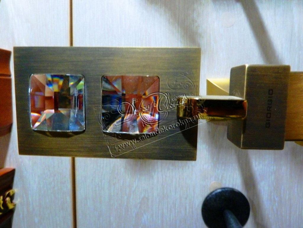 Карнизы для штор: Карнизы со стеклом в Декор окна, салон
