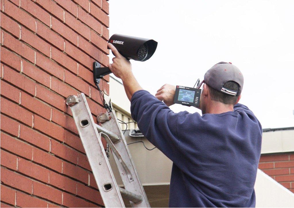 Системы сигнализации и охраны: Монтаж видеонаблюдения в Эгида, ООО, частная охранная организация