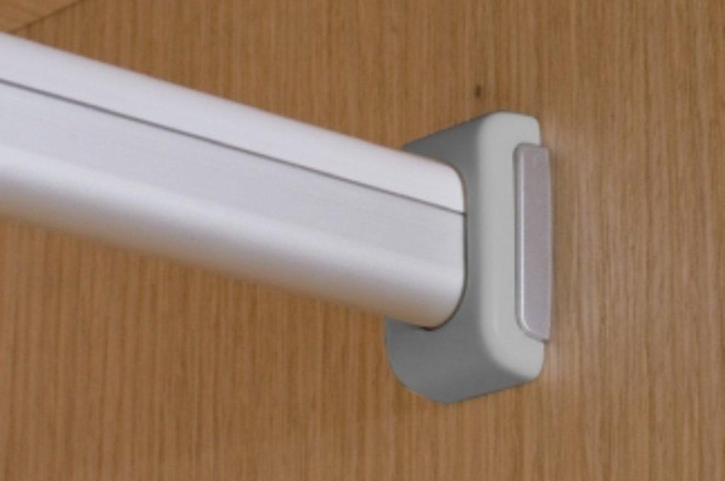 Аксессуары для шкафов: Держатель штанги 15х30мм, отделка серый металлик в МебельСтрой