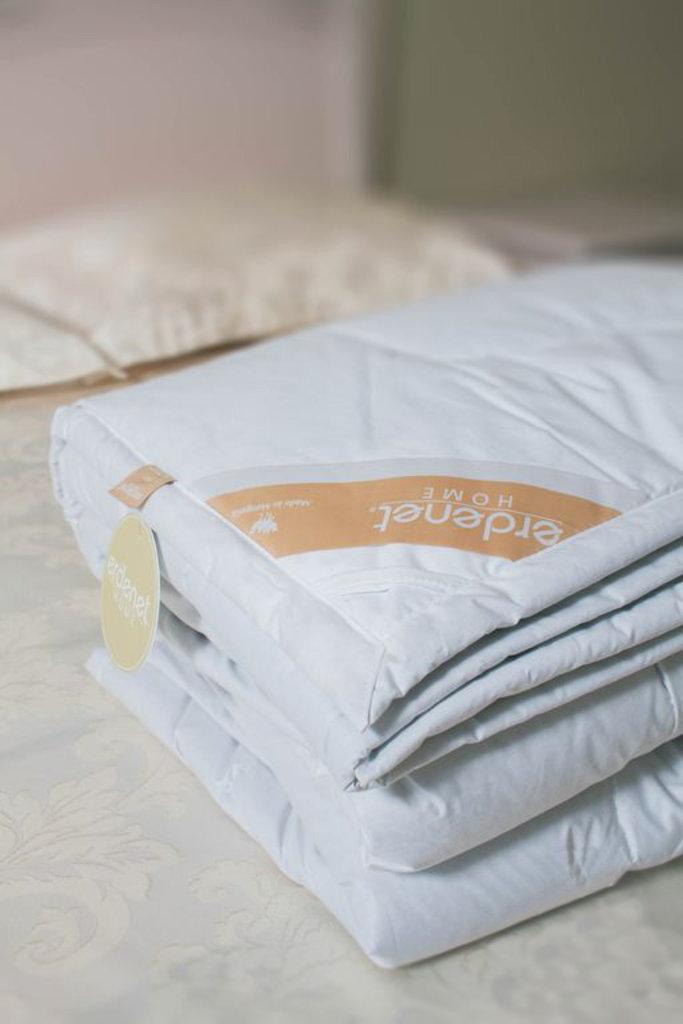 Одеяла и пледы: Одеялп стёганое из 100% верблюжьей шерсти премиум в Сельский магазин