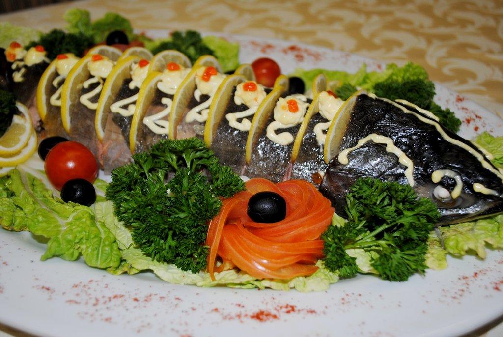 Банкетное меню: Горбуша фаршированная (цельная рыбка)кг в Смак-нк.рф