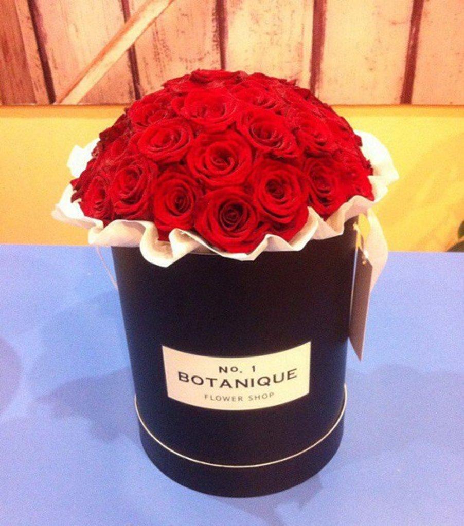"""Premier: """"Premier black"""" с Алыми розами (39 роз) в Botanique №1,ЭКСКЛЮЗИВНЫЕ БУКЕТЫ"""