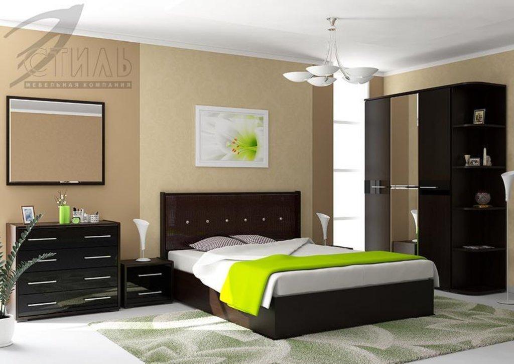 Мебель для спальни Луиза (венге / черный глянец): Пенал Луиза (венге / черный глянец) в Диван Плюс