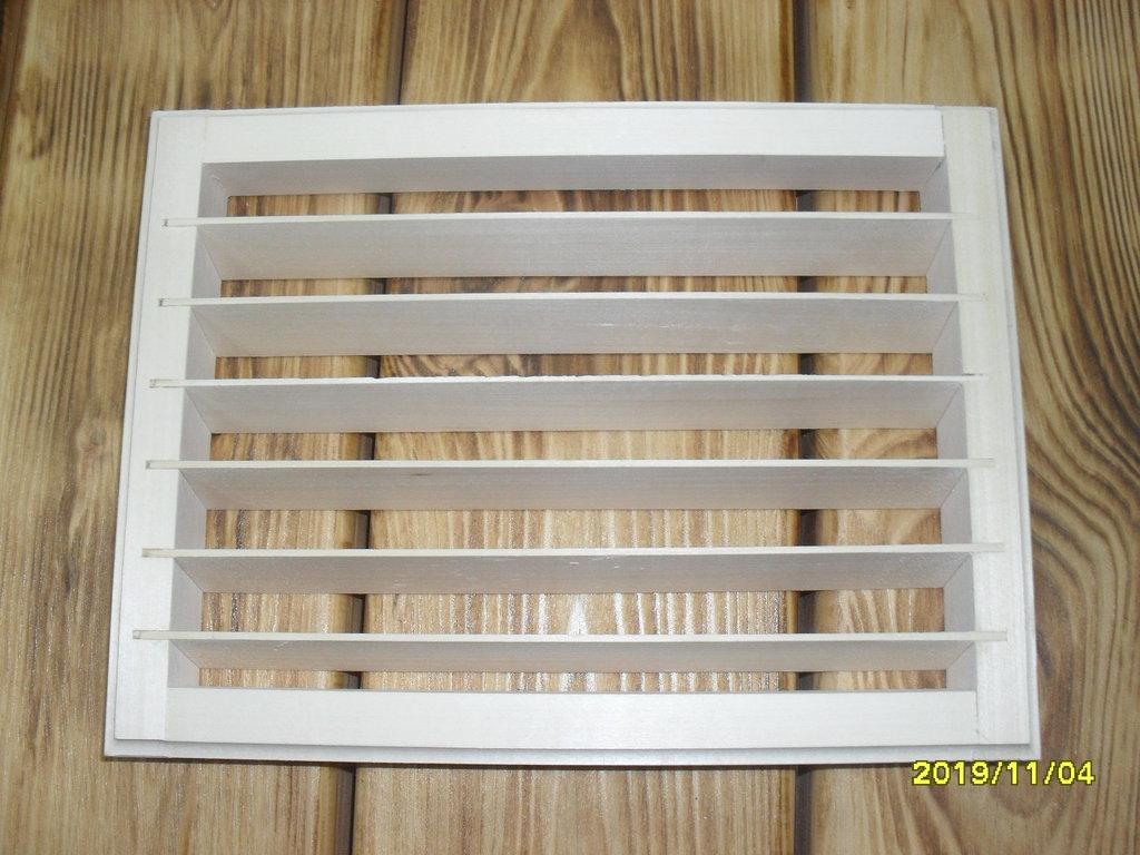 Бондарные изделия: Вентиляционная решетка 20*27см (липа) в Погонаж