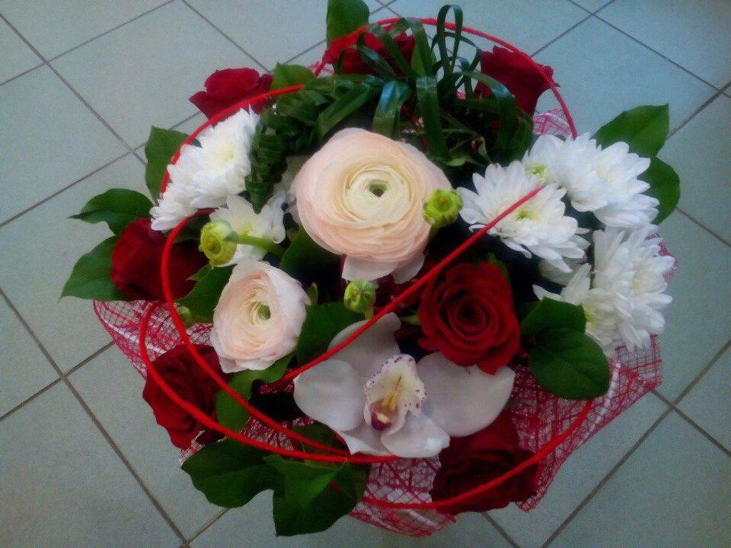 Букеты: Букет № 21 в Николь, магазины цветов