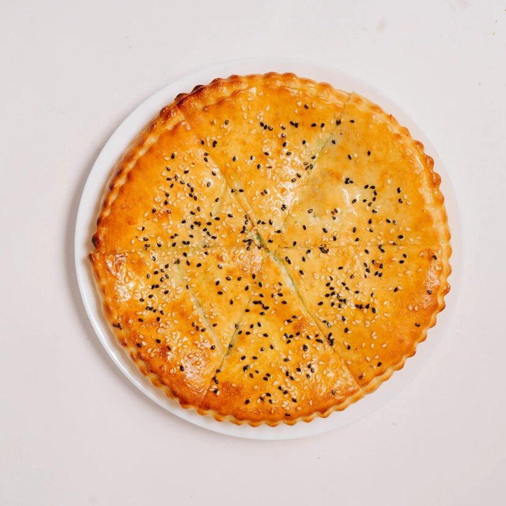 Пицца фирменная закрытая: Стафф Мини с семгой и шпинатом 23 см в Сбарро
